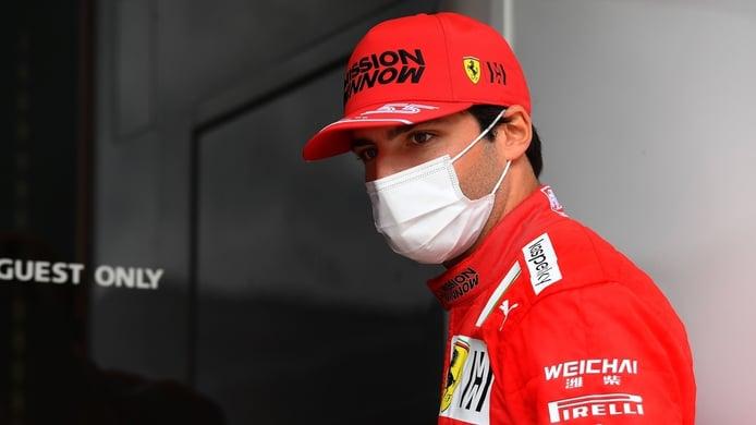Sainz: «No soy más lento que Leclerc en ninguna curva, pero tengo que juntar la vuelta»