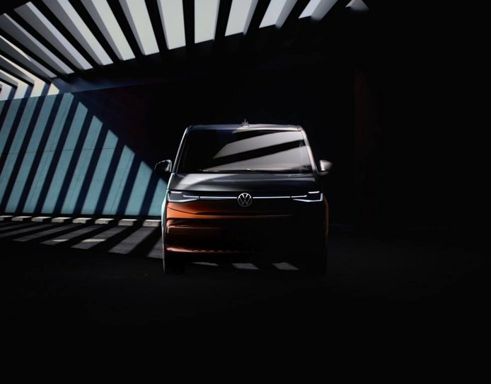 Destapado el frontal del Volkswagen Multivan 2022, solo disponible con DSG