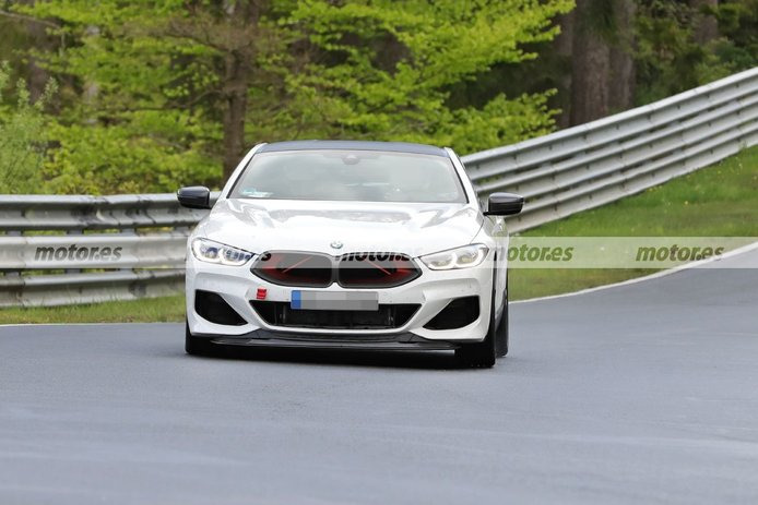 El futuro BMW M8 CSL 2022, cazado en su configuración definitiva en Nürburgring