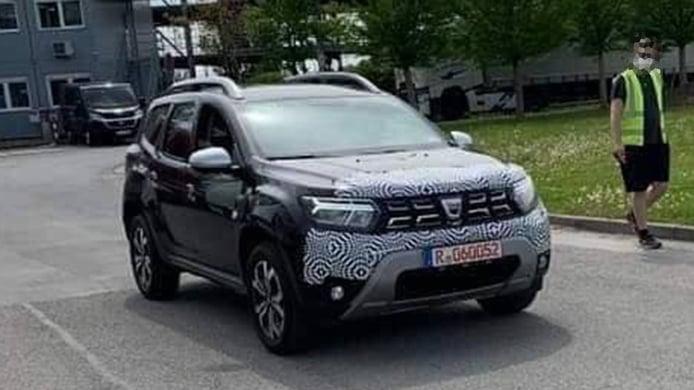 El nuevo Dacia Duster 2021 estrenará grupos ópticos inspirados en el Sandero