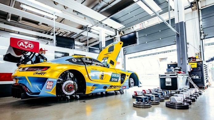 El equipo HRT Mercedes realiza los últimos test previos al DTM 2021