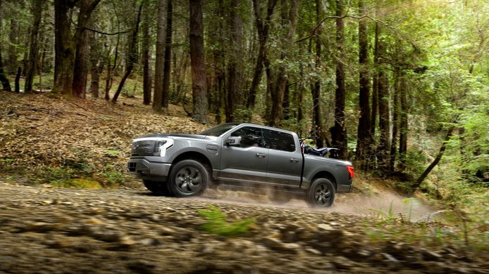 Ford F-150 Lightning - lateral