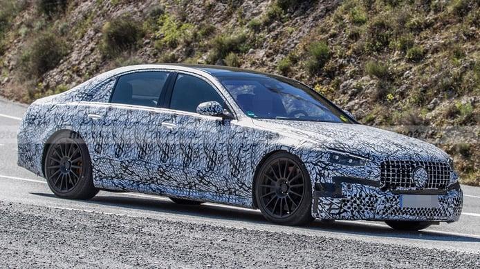 ¡Al detalle! El nuevo Mercedes-AMG S 63 e 2022 cazado a plena luz del día
