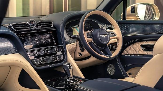 Bentley Bentayga Hybrid - interior