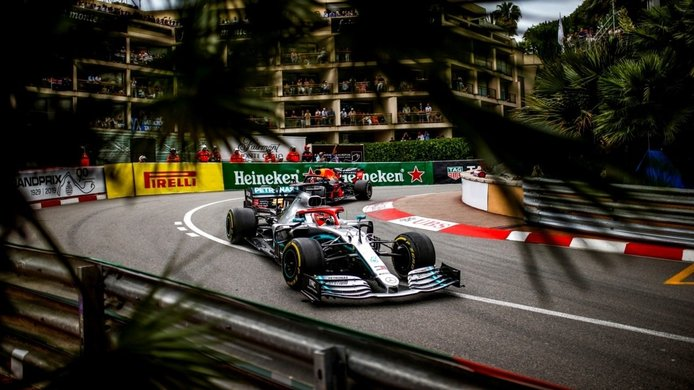 Esto es todo lo que un piloto tiene que hacer en un F1… además de conducir