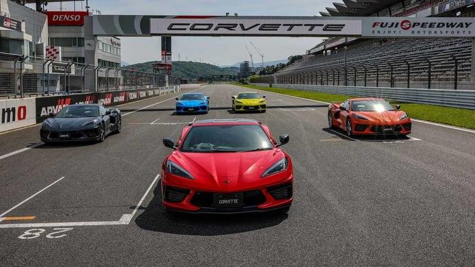 El primer Chevrolet Corvette con volante a la derecha de la historia debuta en Japón