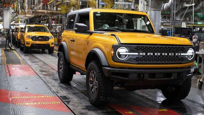 El Ford Bronco comienza al fin su producción sin noticias del híbrido ni del eléctrico