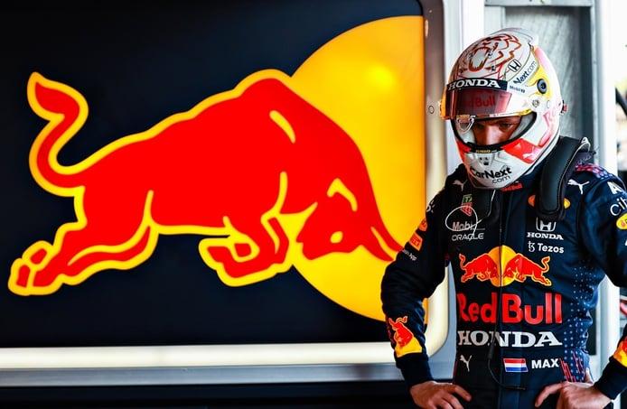 Los Red Bull y Hamilton, asqueados: «Menuda clasificación estúpida»