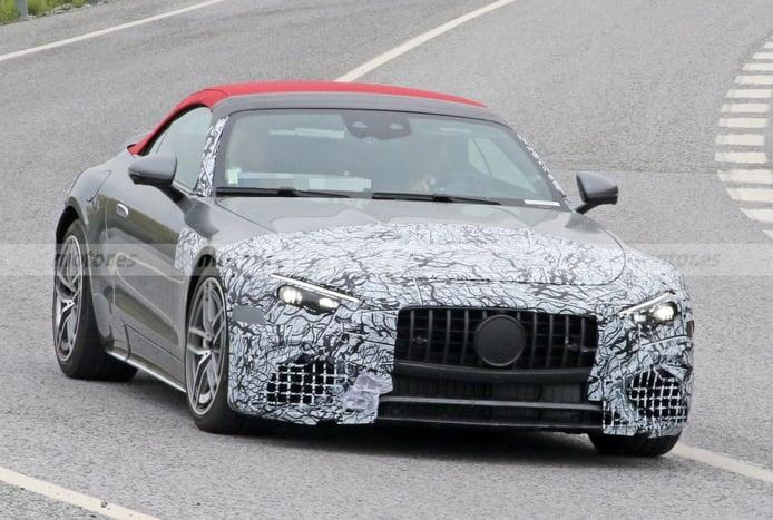 El nuevo Mercedes-AMG SL 63 pierde gran parte del camuflaje y revela su alerón activo