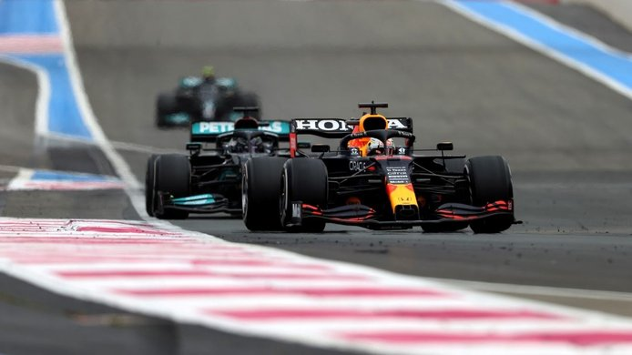 Mercedes enumera las causas de su derrota en Paul Ricard: estrategia… ¡y motor!