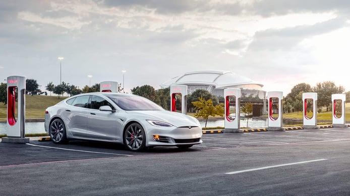 Tesla abrirá su red de Supercargadores al resto de coches eléctricos