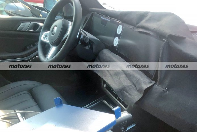 Foto espía BMW X7 Facelift 2023 - interior