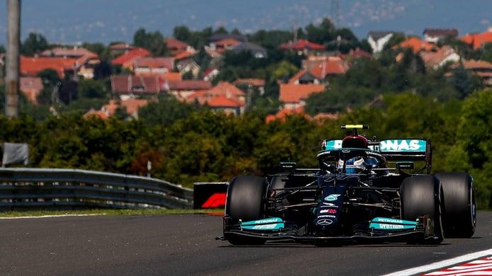 Bottas comanda el doblete de Mercedes para rematar el viernes en Hungría