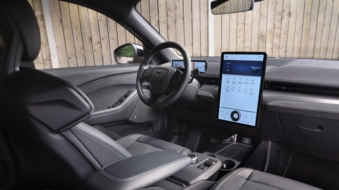 Foto Ford Mustang Mach-E GT - interior