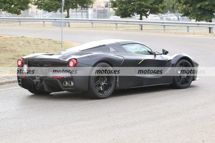 Foto espía Ferrari Hypercar híbrido - exterior