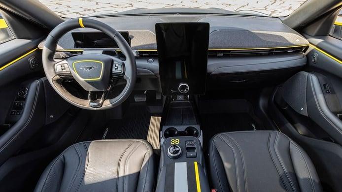 Foto Ford Mustang Mach-E EEA - interior