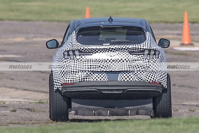 Foto espía mula Lincoln SUV eléctrico 2022