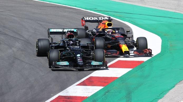 «Hamilton no hizo nada mal» de acuerdo con la guía de adelantamiento de la FIA, según Allison