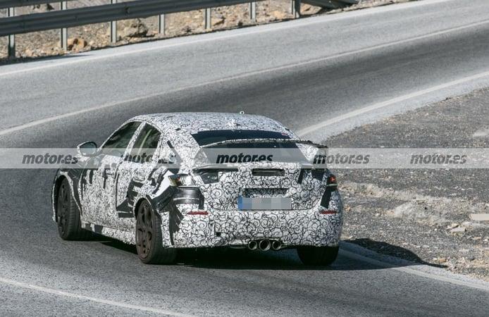 Honda Civic Type R 2022 - foto espía posterior