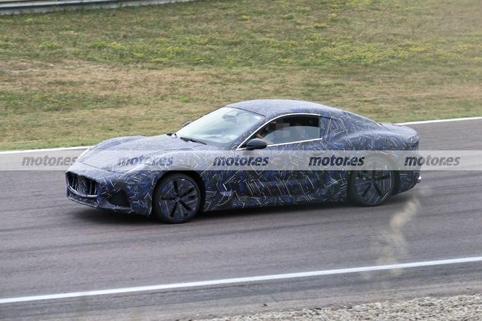 Foto espía Maserati GranTurismo 2022 - exterior