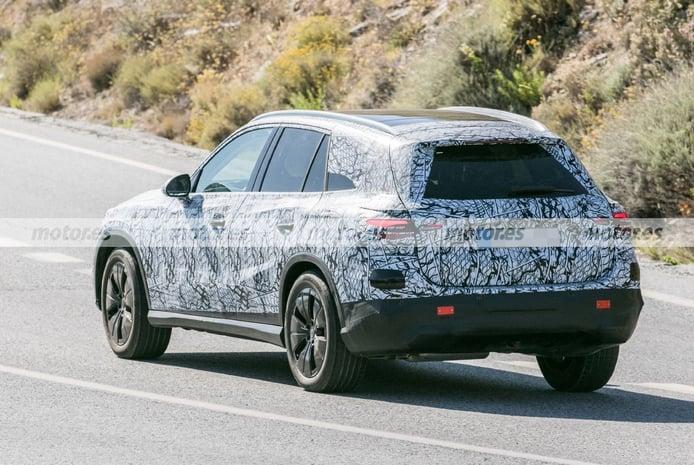 Mercedes GLC 2022 - foto espía posterior