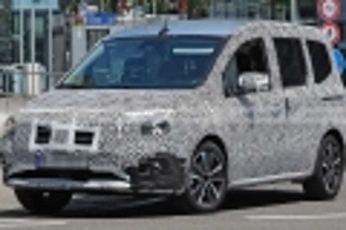 El nuevo Mercedes Clase T, la alternativa premium al Renault Kangoo, ha sido cazado