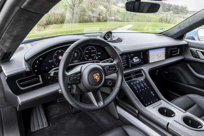 Test Porsche Taycan Cross Turismo 2021, three-dimensional versatility