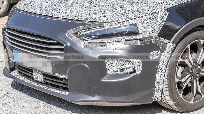 Ford Focus Active 2022 - foto espía frontal