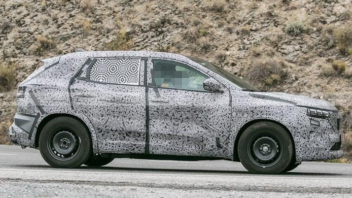 Renault Kadjar 2022 - foto espía lateral