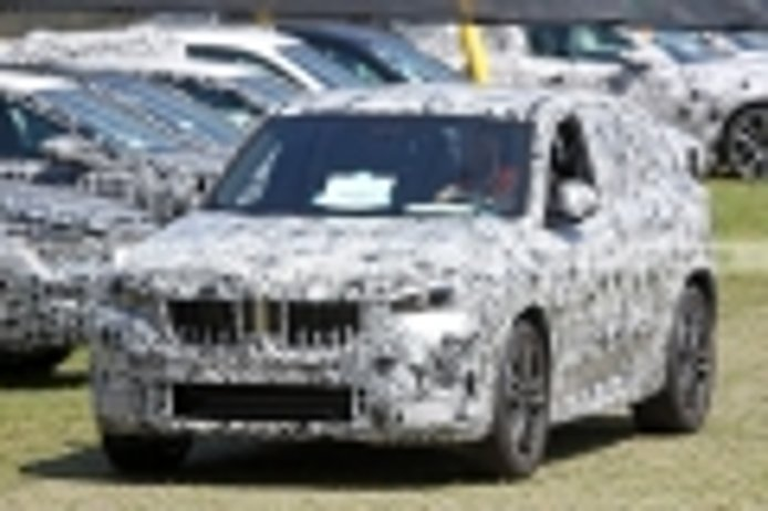 Los prototipos del nuevo BMW X1 2023 muestran sus luces de producción