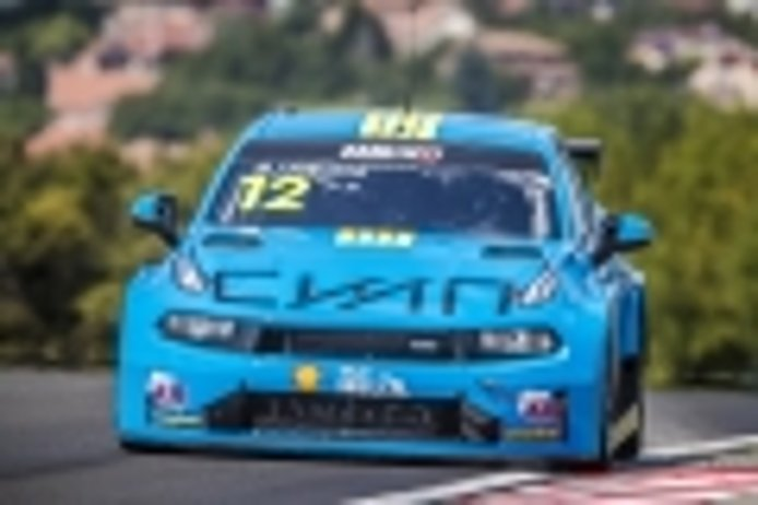 Santiago Urrutia conquista la carrera principal del WTCR en Hungría