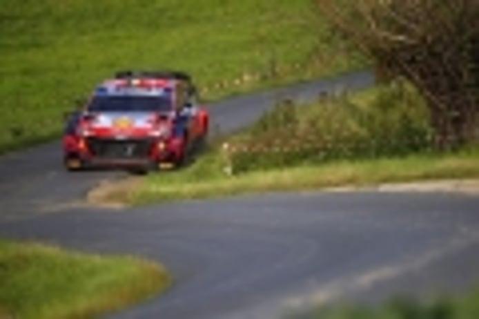 Thierry Neuville cierra la primera etapa del Ypres Rally al frente