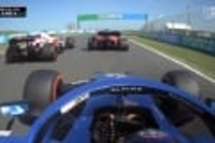Vídeo: la salida de Alonso y su duelo con Sainz desde dentro