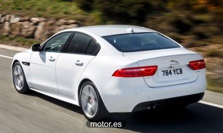 Jaguar XE 2.0 Diesel Pure 180 4 puertas nuevo