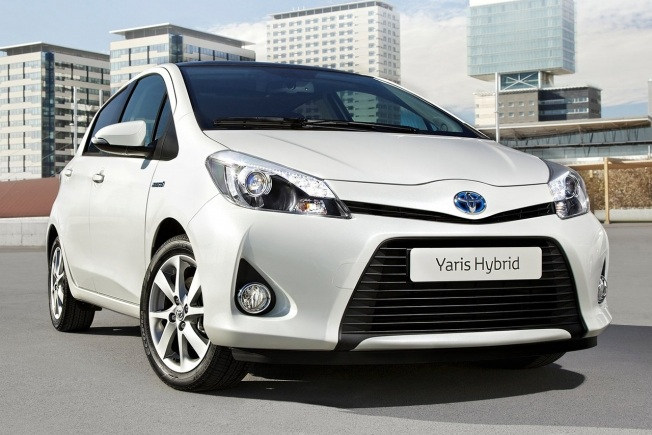 toyota yaris hybrid precios ofertas y acabados. Black Bedroom Furniture Sets. Home Design Ideas