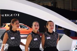 Las chicas y asistentes del Salón de París 2016