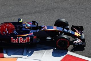 F1 2016: Carlos Sainz Foto 35