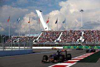 F1 2016: Carlos Sainz Foto 32