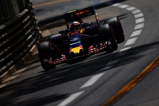 F1 2016: Carlos Sainz Foto 61