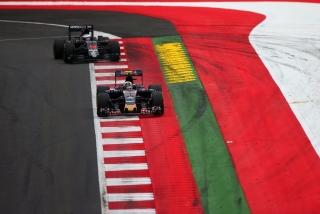 F1 2016: Carlos Sainz Foto 116