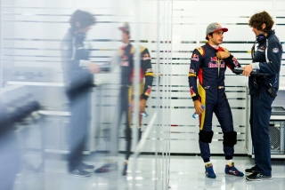 F1 2016: Carlos Sainz Foto 125