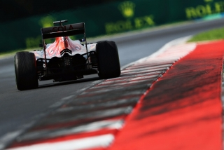 F1 2016: Carlos Sainz Foto 137