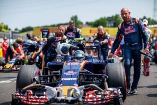F1 2016: Carlos Sainz Foto 141