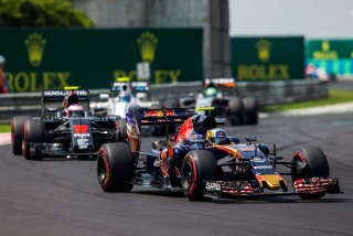 F1 2016: Carlos Sainz Foto 142