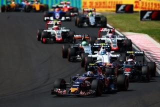 F1 2016: Carlos Sainz Foto 143