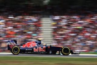 F1 2016: Carlos Sainz Foto 148