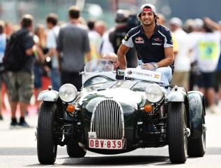F1 2016: Carlos Sainz Foto 171