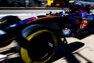 F1 2016: Carlos Sainz Foto 228