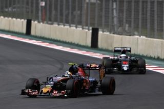 F1 2016: Carlos Sainz Foto 243