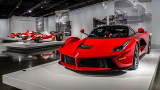 "Ferrari ""Seeing Red"" del Petersen Museum Foto 7"
